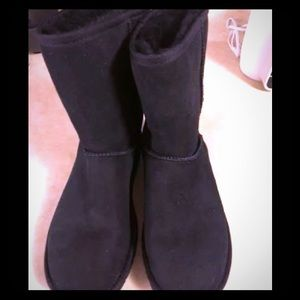 Ugg boots!  Classic Short, Black, Size 9.